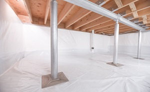 Crawl space structural support jacks installed in Cypress County