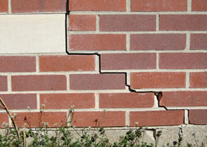 a foundation wall crack on a Esther home.
